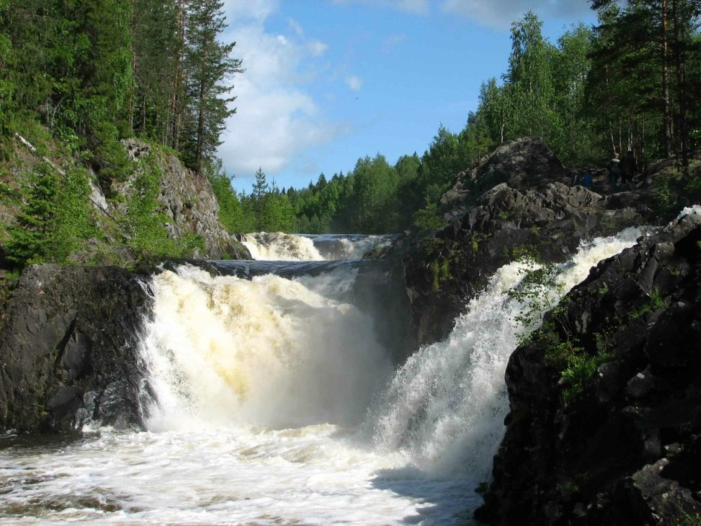 Вот несколько фото водопада кивач