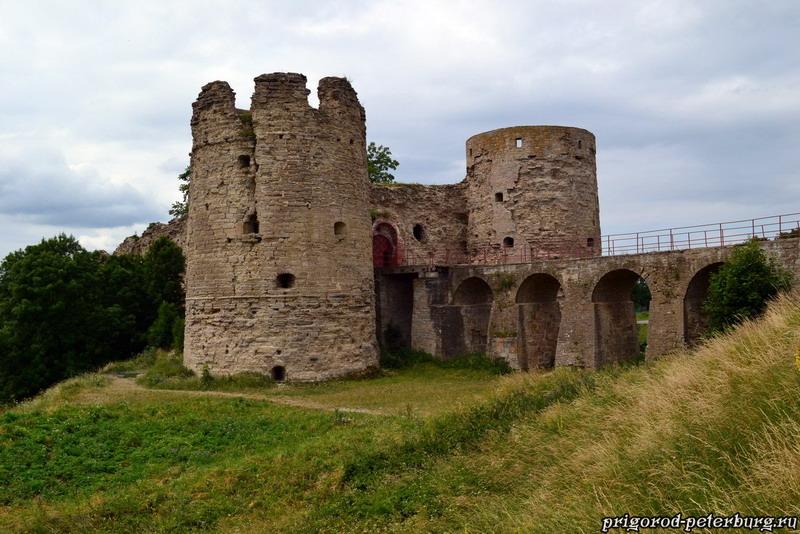 Копорская крепость - фото