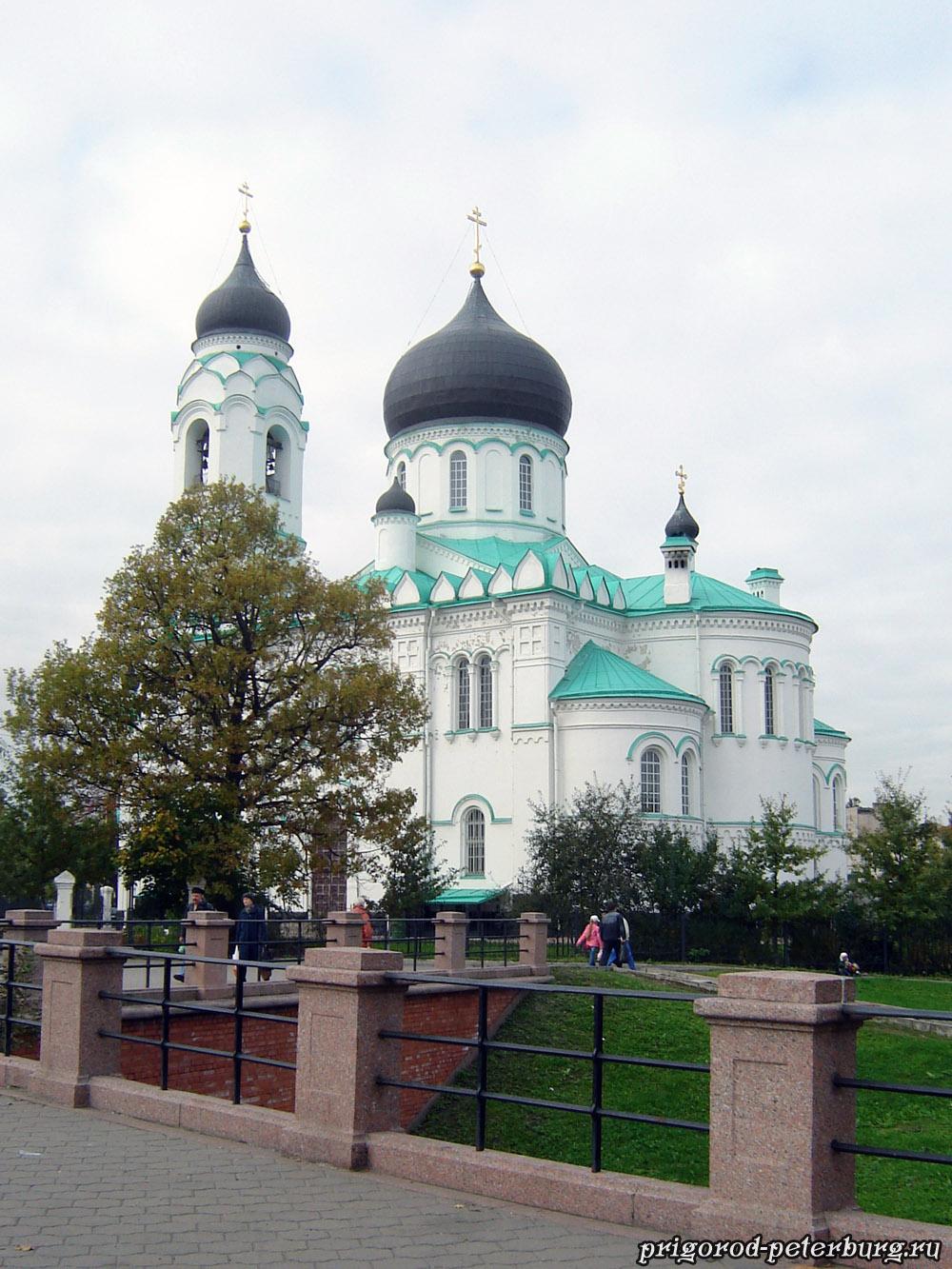 Ломоносов. Собор Архангела Михаила