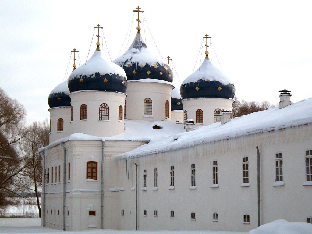 Крестовоздвиженский собор Юрьева монастыря
