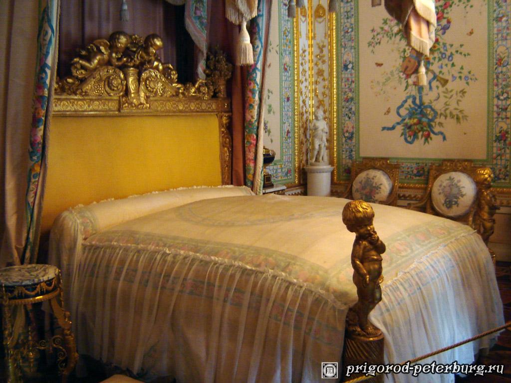 Павловский дворец. Парадная спальня