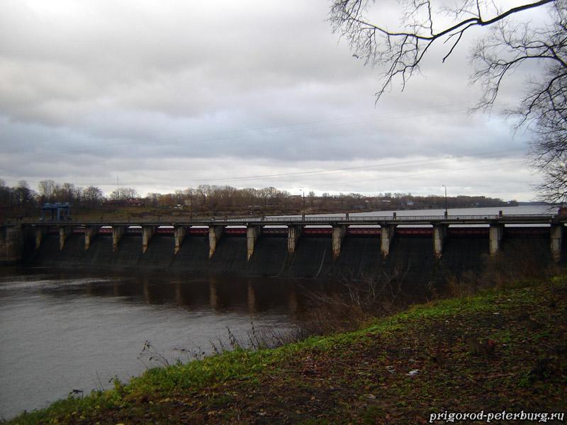 Волховская ГЭС - плотина